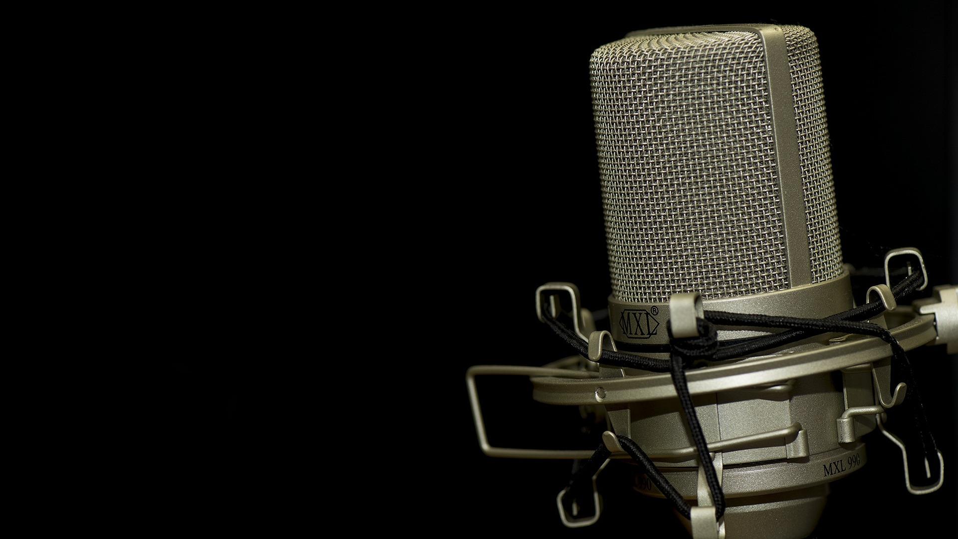 הישארו בהאזנה - תוכנית רדיו שיעשירו את הידע שלכם