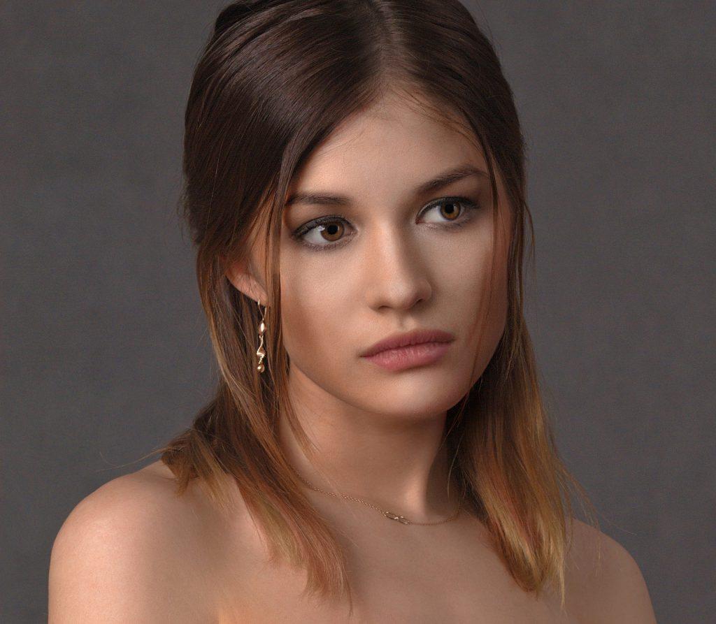 עיצוב שיער לנערות: תסרוקות פשוטות עם מייבש שיער!