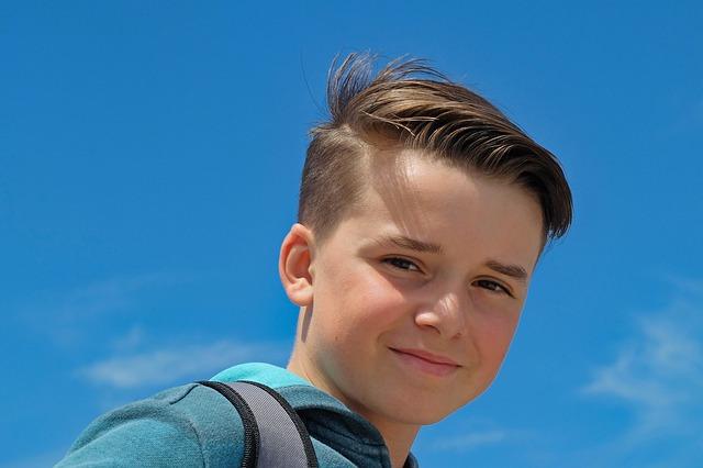 האם הליך השתלת שיער מתאים לבני נוער?